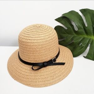SALE! NWOT TAN COLORED STRAW HAT
